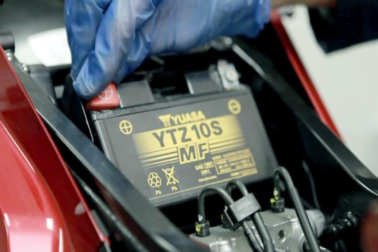 how to install an ATV battery